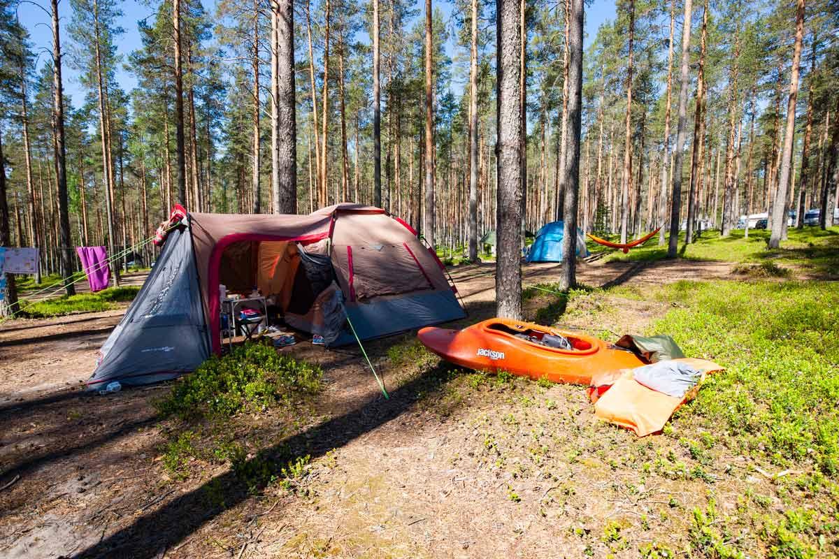 Ruunaan retkeilykeskus retkeily telttailu