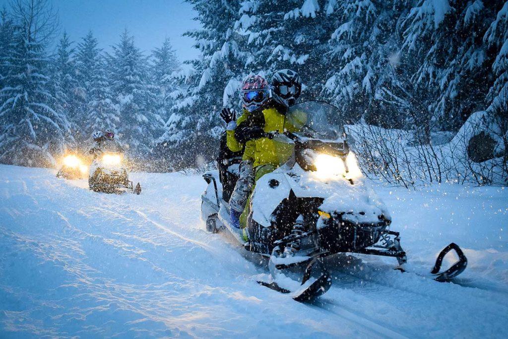 Ruunaan retkeilykeskus talvi aktiviteetit moottorikelkkailu